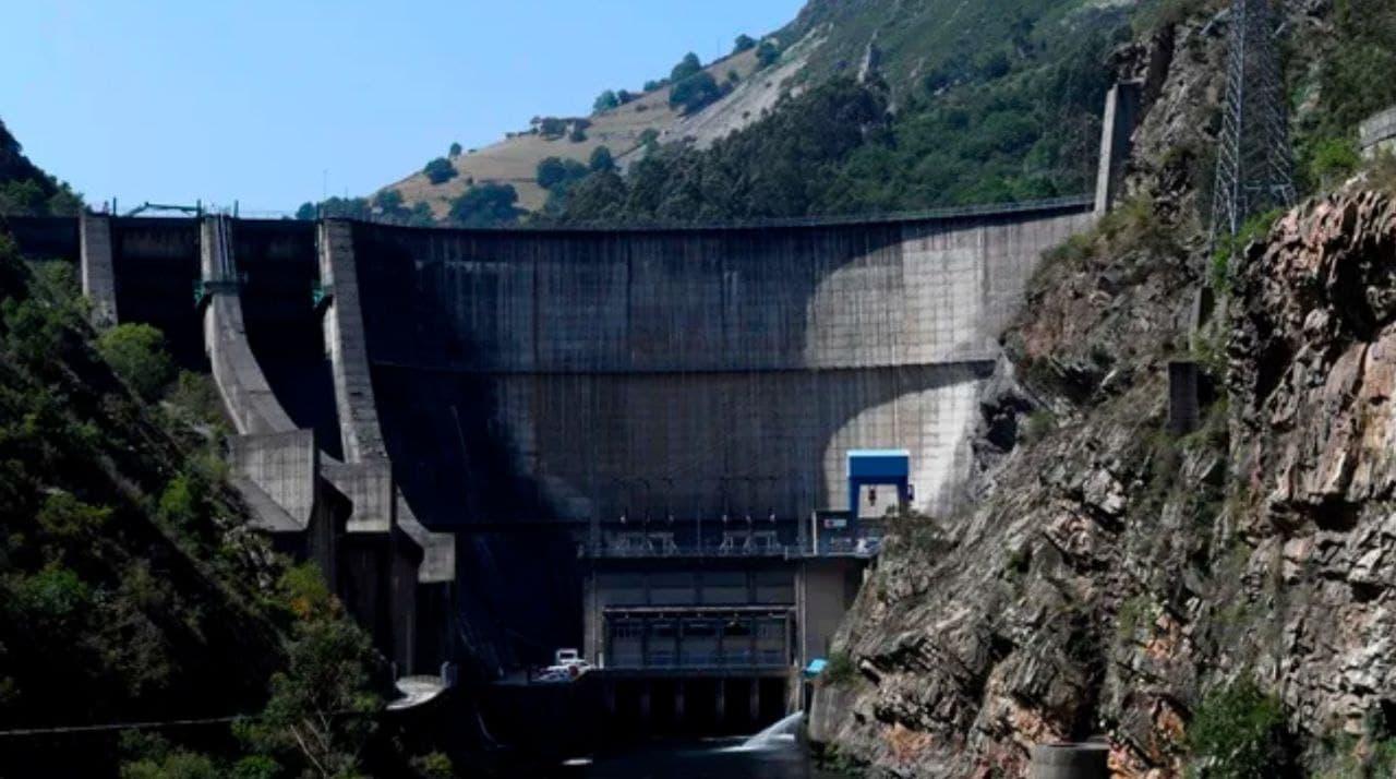 Per què les centrals hidroelèctriques són responsables de l'elevat preu de la llum